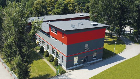 Mactronic moves to the new office building, setting up its administration, warehouse, service and customs office on 4,000 m2